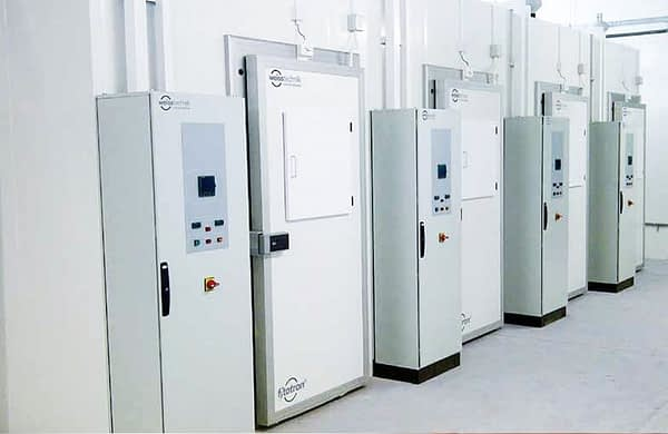 Fitotron walk-in high light intensity plant growth rooms by Weiss Technik